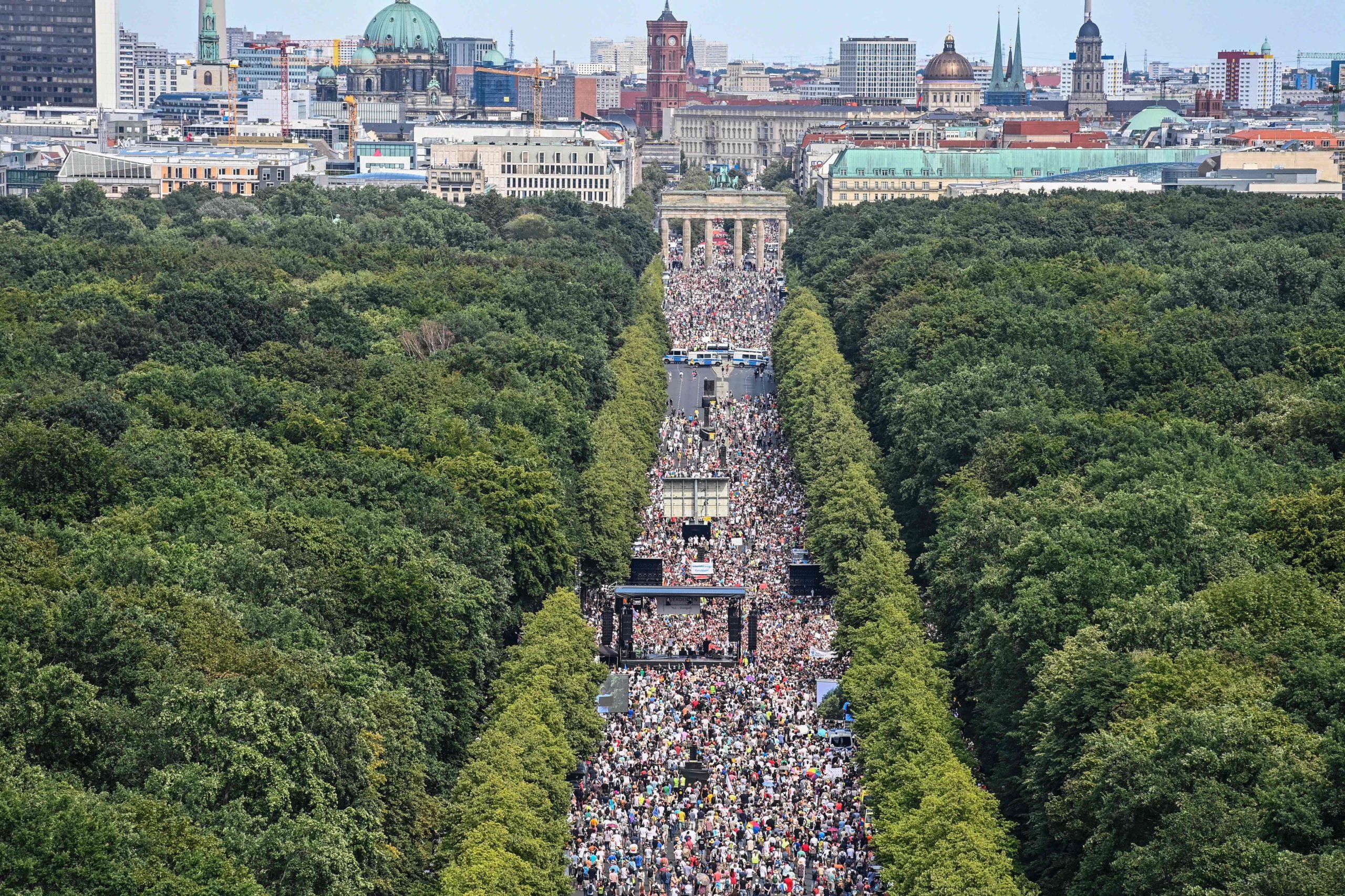 Korona: Eleştiri ve Protestolara Nasıl Tavır Alınmalı?